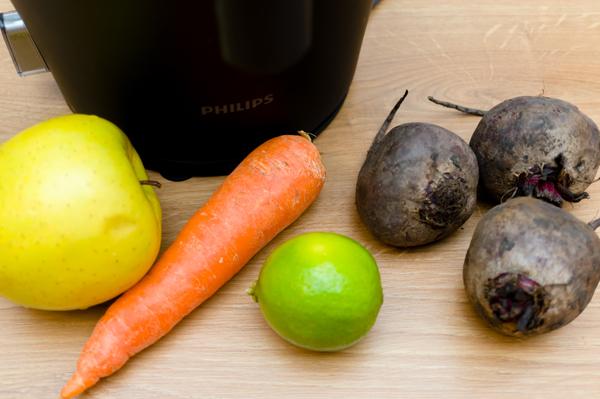 Свежеотжатых соков из яблока, моркови и свеклы.