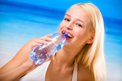 Питье на пляже
