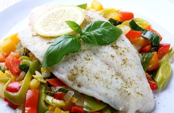 рыба, вареная или приготовленная на пару