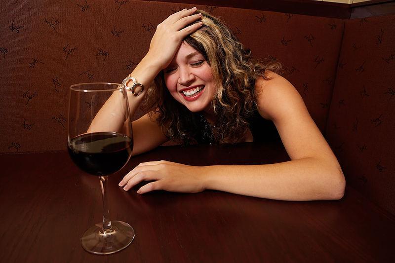 Пьяная женщина